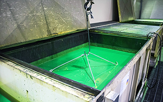 Liquid Penetrant in Dip Tank